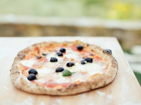 Pizza and Gelato Cooking Class in Tuscan Farmhouse from Florence