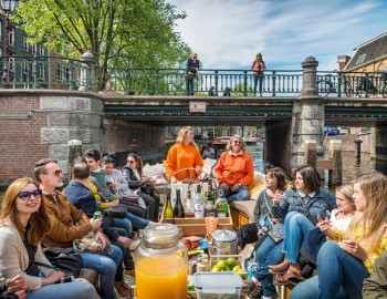 1-Hour Luxury Canal Tour starting at Anne Frank House Amsterdam