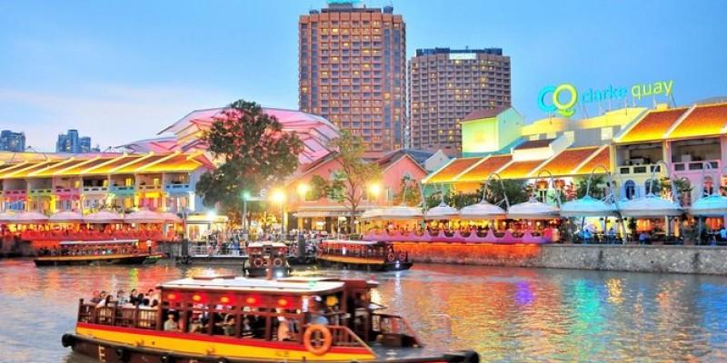 Singapore's Chinatown Trishaw Night Tour with Transfer