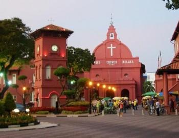 Luxury private day tour: Kuala Lumpur and Malacca from Singapore (6:00AM pickup)