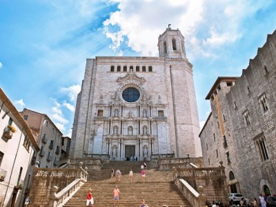 Girona and Costa Brava Small-Group Tour with Hotel pickup from Barcelona