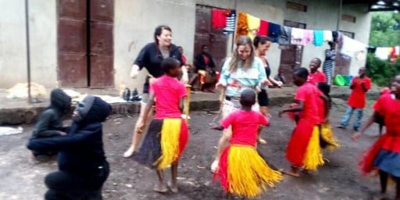 9 DAYS – UGANDA GORILLA & SAVANNA SAFARI