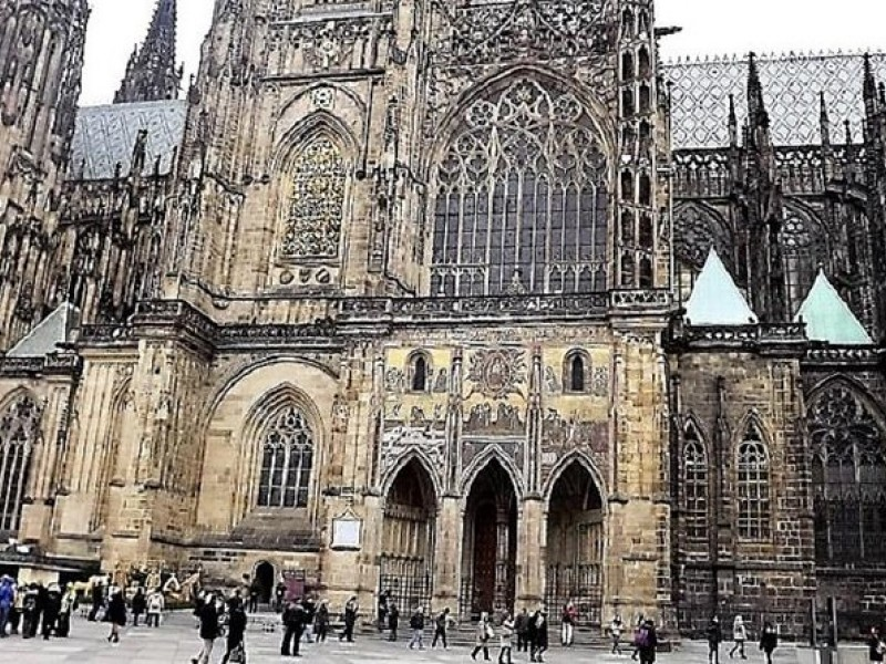 Prague Castle Walking Tour Including Admission Tickets