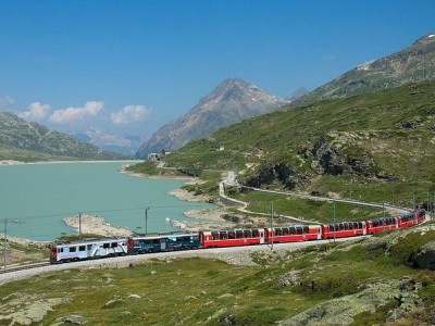 Swiss Alps Bernina Express Rail Tour from Milan with Hotel Pick Up