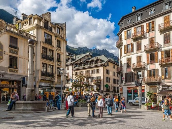 Chamonix Montblanc Day Trip from Geneva with optional Cable Car Ride and Lunch