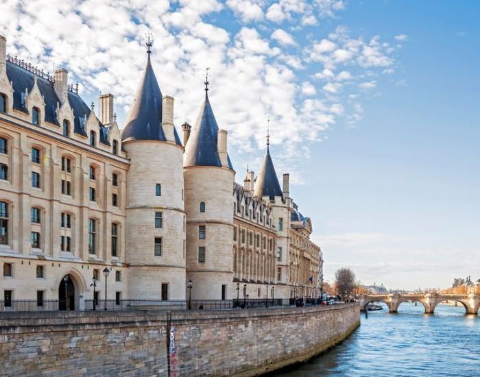 Париж сквозь призму эпох