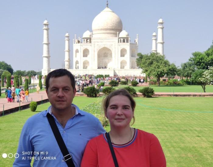 Amazing Taj Mahal sunrise tour