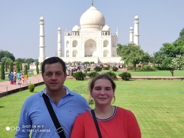 Amazing Taj Mahal sunrise tour