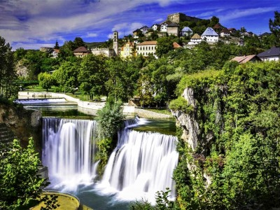 All seasons 8 days Bosnia discovery tour from Sarajevo. Monterrasol Travel private tour by car. Bosnia travel off the beaten path.
