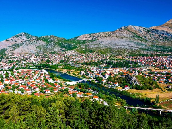 All seasons 17 days Bosnia discovery non-touristy places tour from Tuzla. Private tour with minivan by Monterrasol Travel. Explore Medieval land of Bosnia by off the beaten path travel.