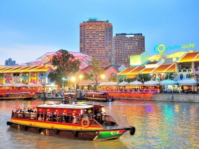 Singapore's Chinatown Trishaw Night Tour with Transfer